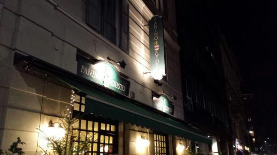 L 39 esterno del locale picture of panino giusto cherubini for L esterno del ristorante cruciverba