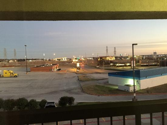 Quality Inn & Suites: A view from my room