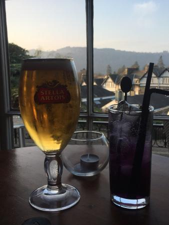Angel Inn: Drinks by the warm fire & the lovely view from the window- Dec 14
