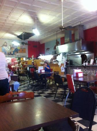 Walker's Cafe: Restaurant