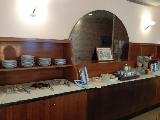 Hotel Tirrenus Perugia: La colazione