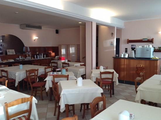 Hotel Tirrenus Perugia: Sala colazione