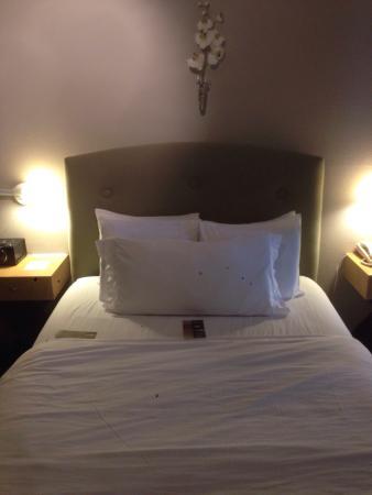 Eo Inn: Queen balcony room