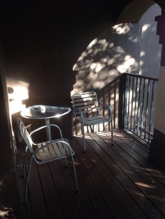 Eo Inn: Balcony