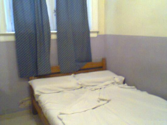 Hotel O'rei: cama de habitación single