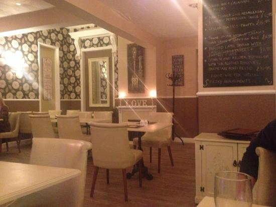 Georgie May's Bistro: Lovely decor