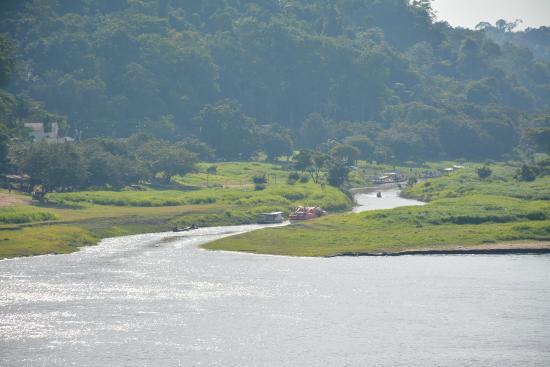 Boca de Valeria  Village: River from the cruise ship