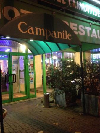 Campanile Paris Nord - Saint Denis - Quai De St Ouen Pleyel: Entrée de l'hôtel et du restaurant