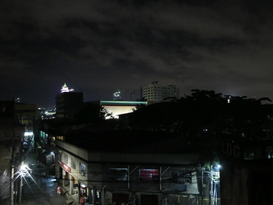 La Gloria Residence Inn : вид с балкончика на этаже