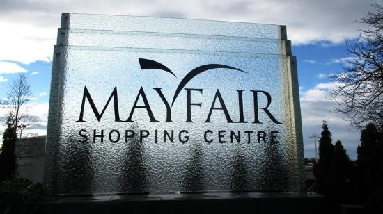 ‪Mayfair Shopping Centre‬