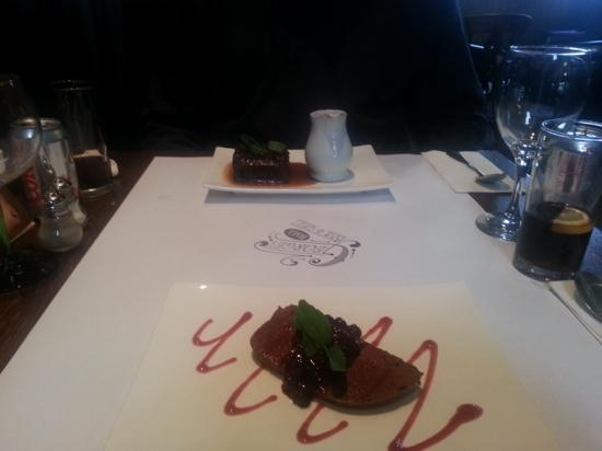 George's Hall Bar & Grill: Delicious desserts