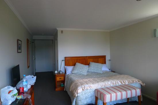 Stewart Island Lodge: La chambre avec TV,frigo,bouilloire et  thé ou café