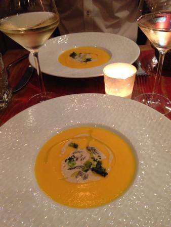 La Table du Chef : Velouté de carottes des sables et morille.. Divin!