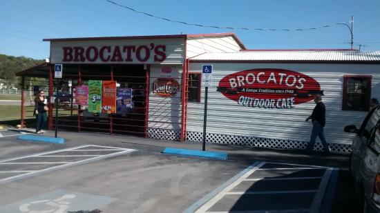Brocato's Sandwich Shop: ñow I now where to get of the interstate