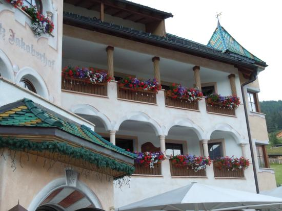 Ansitz Jakoberhof : l'hotel dal cortiletto