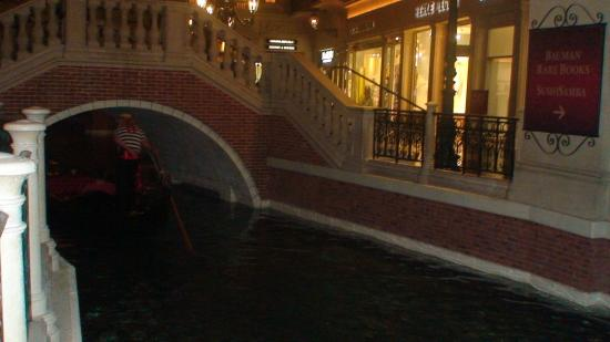 Gondolas - Weddings at the Venetian