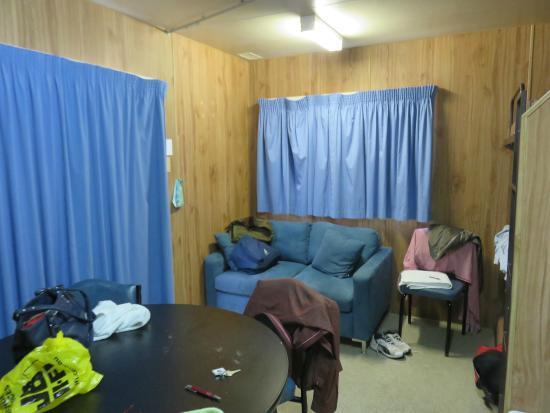 Marion Bay Caravan Park: Sofa