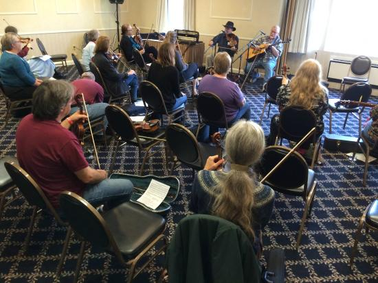 Westford Regency Inn: A workshop at our event on how a fiddler can accompany a singer