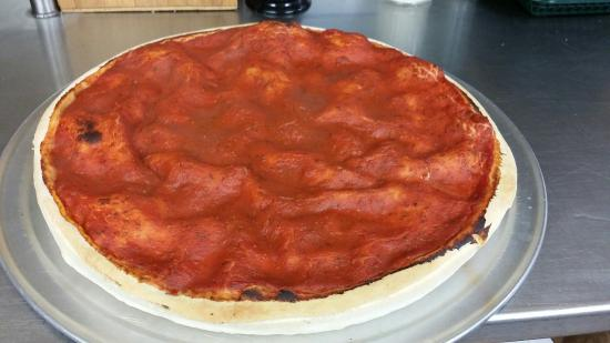 Gianni's Pizza And Italian Ristorante: Chicago Style Pizza