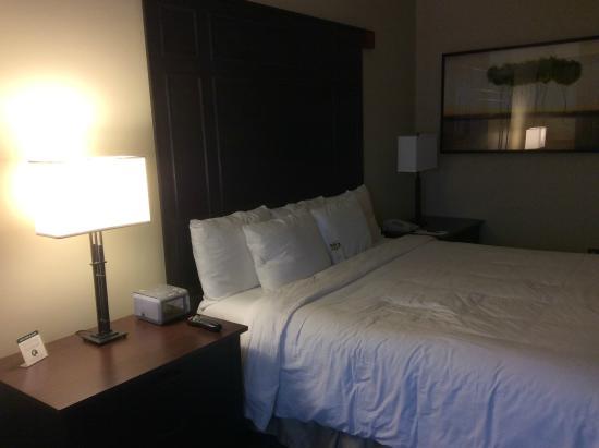 Inn at St. John's: Comfortable bed