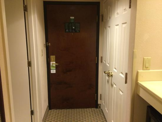Home2 Suites by Hilton Atlanta Norcross: Entrance to the room.