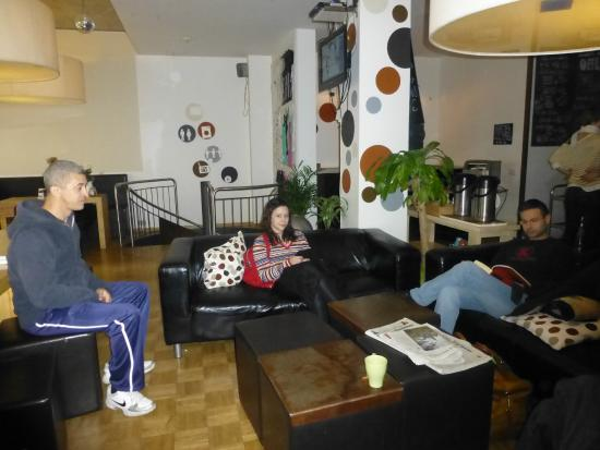 Five Elements Hostel Frankfurt: lobby five elements