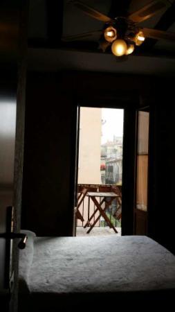 Hotel Villa Rosa: Room with Balcony