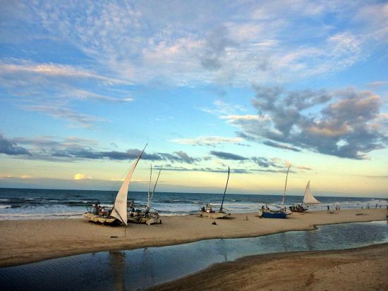 Beberibe, CE: Praia da Sucatinga