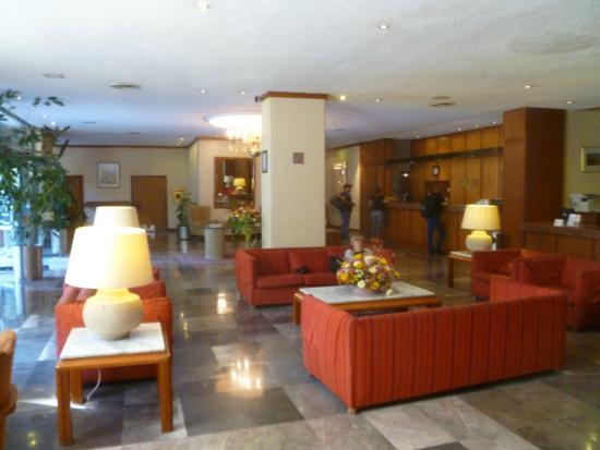 Hotel Bristol: hall