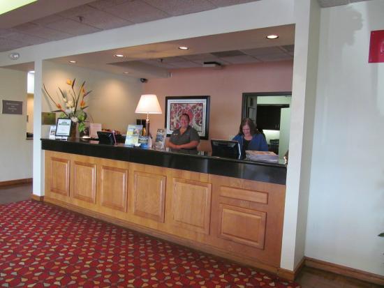 BEST WESTERN Hickory : Front Desk