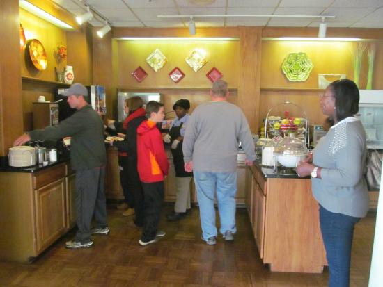 Best Western Hickory : Breakfast  area
