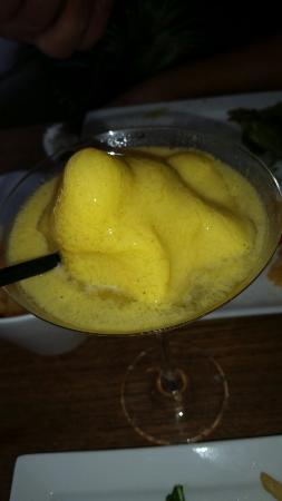 Wah Wah Burger: Slushy passion fruit daiquiri