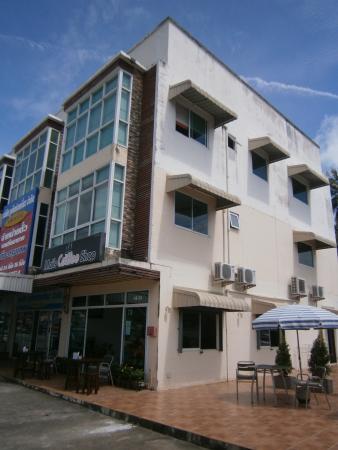 Mai's Guesthouse & Coffee Shop