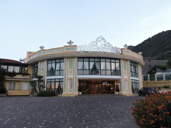 Sant'Agnello, Italia: Hotel from the Outside