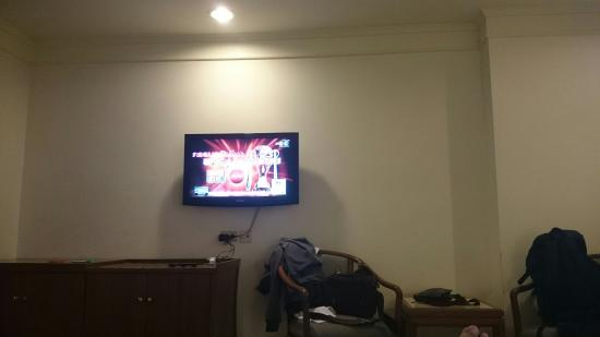 Hansa JB Hotel: LCD tv inside room