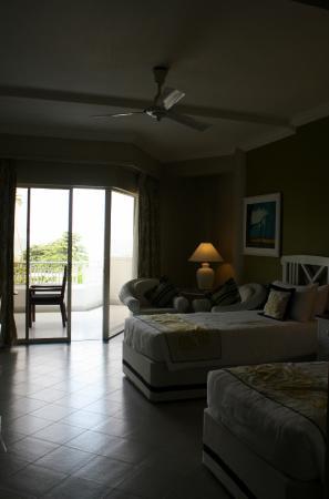 Superior Charm - Sea View room interiors
