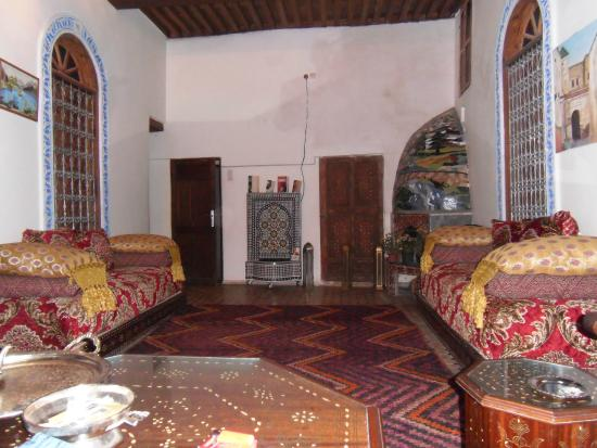 Dar Naima: Reception