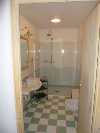 Hotel Vermoi: Bagno della camera lusso