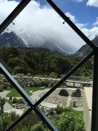 Aoraki/Mount Cook National Park DOC Visitor Centre: View from massive window in visitor centre