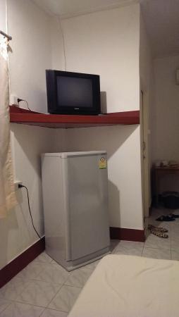Lanta Island Resort: agreable un frigo dans une chambte