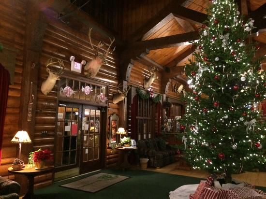 Gateway Lodge: Lobby