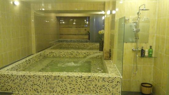 Temple Leaf Spa & Sauna