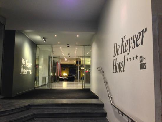 De Keyser Hotel: エントランス右側