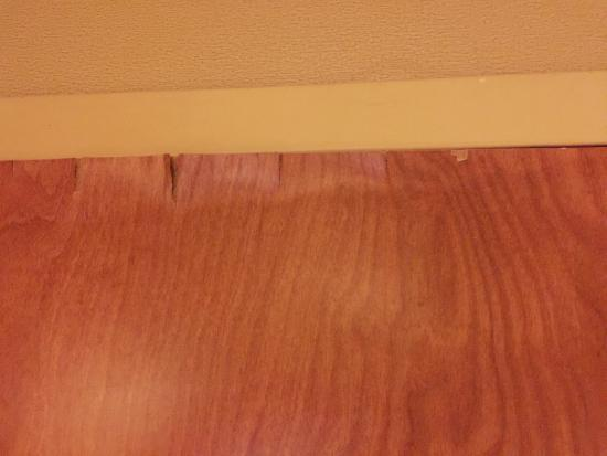 Hampton Inn & Suites New Haven - South - West Haven : Entrance door has lifted plywood