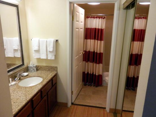 Residence Inn Savannah Midtown: Bathroom