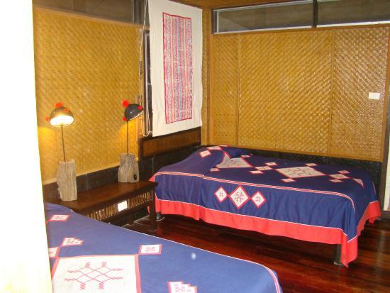 Hmong Hilltribe Lodge: Chambres en bambou