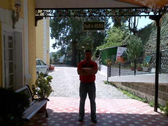 WelcomHeritage Kasmanda Palace: Built in 1836