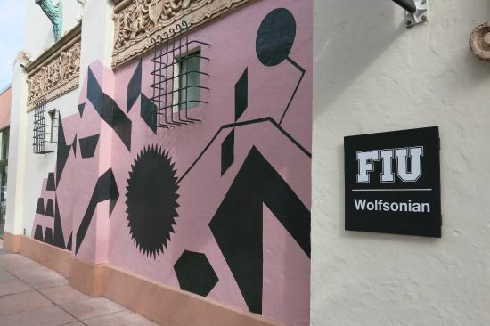 The Wolfsonian - Florida International University: Temporary mural