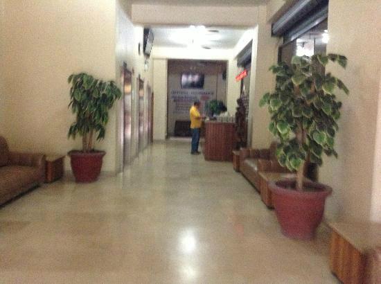 Hotel 9 de Octubre: recepcion