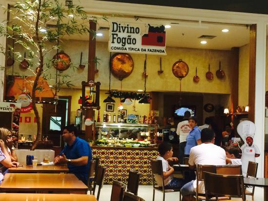 Frente Do Restaurante No Shopping Foto De Divino Fog O